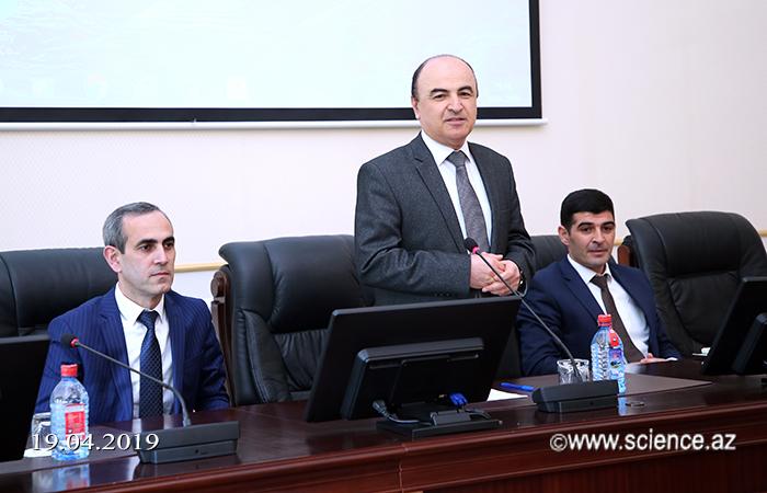 AMEA-nın müxbir üzvü Əminağa Sadıqovun akademiyanın magistrantları ilə görüşü keçirilib